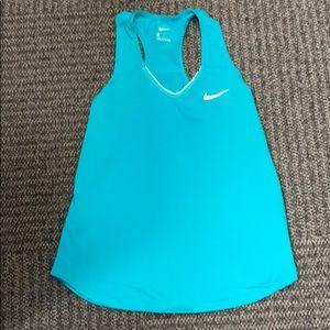 Nike size M dri fit tank EUC